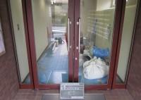 京都市 マンション エントランスシート貼