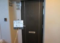 泉大津市 マンション 玄関ドアシート貼