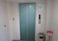 堺市 ビル内エレベータシート貼